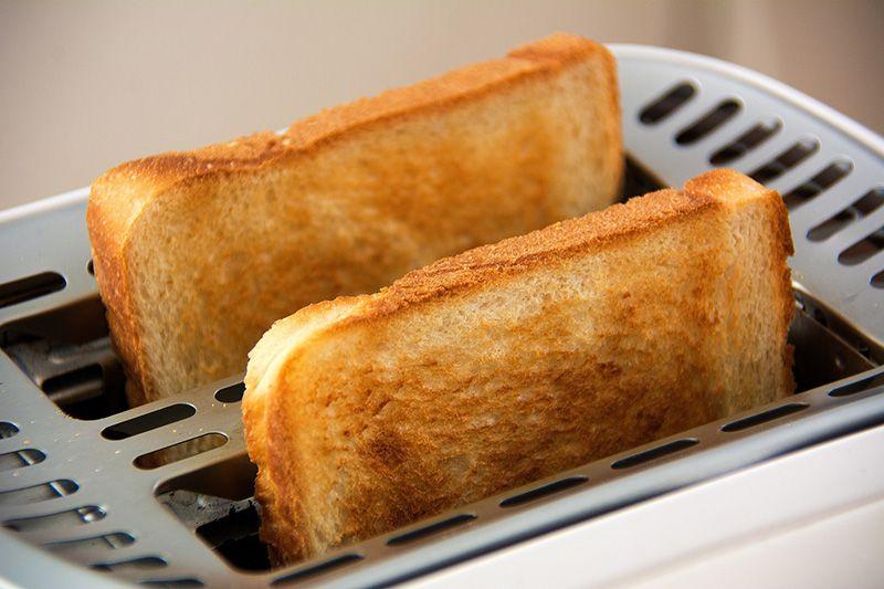 Brödskivor-i-brödrost