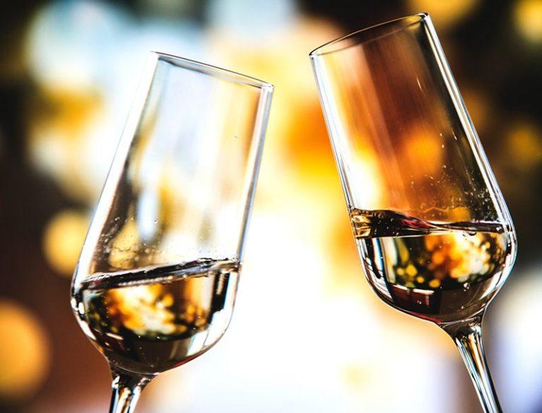 Få tillbaka bubblet i din champagne med russin-metoden