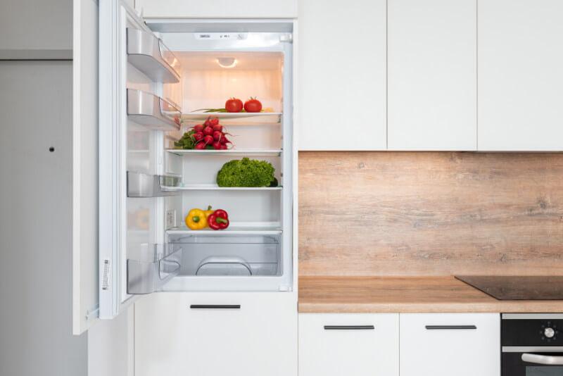 Hur du rengör kylskåpet – Städa kylen som ett proffs