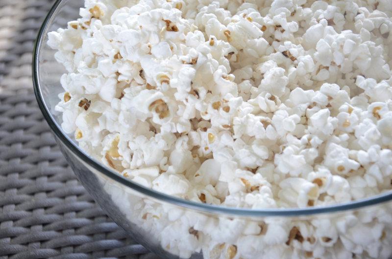 Färdigpoppat-popcorn